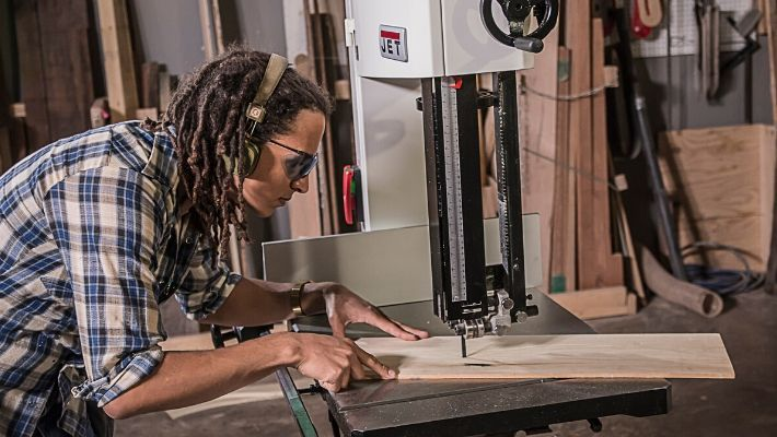 How To Use A Bandsaw: Tips and Tricks?