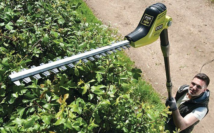 Best Extendable Hedge Trimmer UK