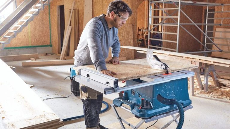 How To Use a Table Saw?