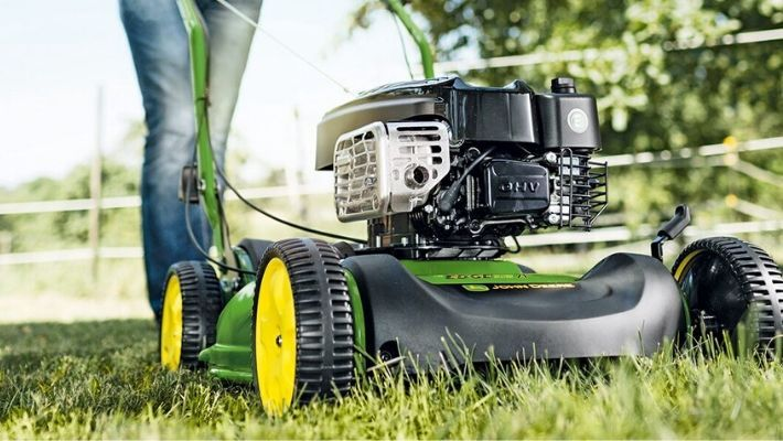 Best Mulching Lawn Mowers UK (Reviews 2021)