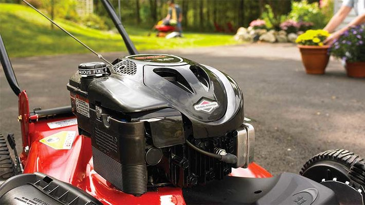 Briggs and Stratton Lawn Mower (Petrol Engine)