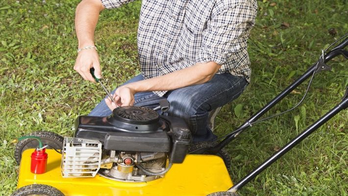 4 Easy Steps To Tune Up A Lawn Mower