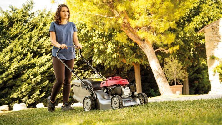 Electric Start Petrol Lawnmower