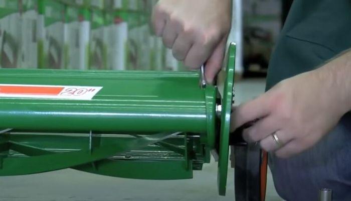 Adjust Reel Mower Blade Alignment