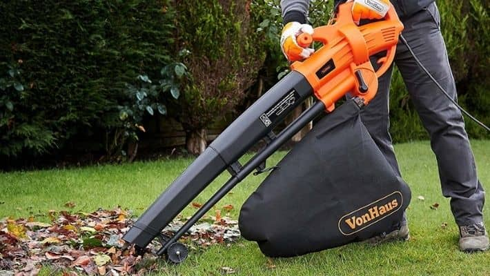 Best Electric Leaf Blower UK (Reviews 2021)