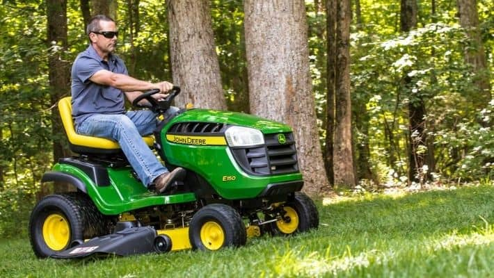 Pros and Cons Of Ride On Lawn Mower