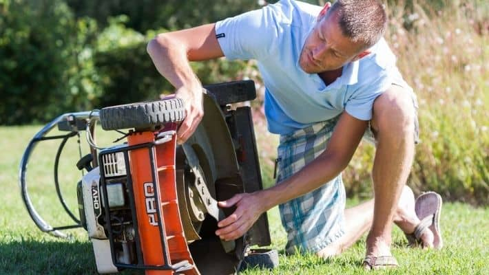 Should Lawn Mower Blades Be Loose