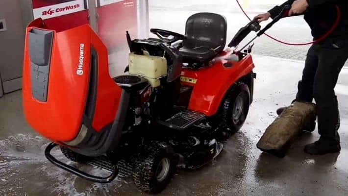How To Clean A Riding Lawn Mower?